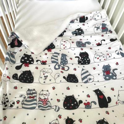 Couverture avec motifs chats amoureux